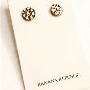 BANANA REPUBLIC textured gold plated disc studs